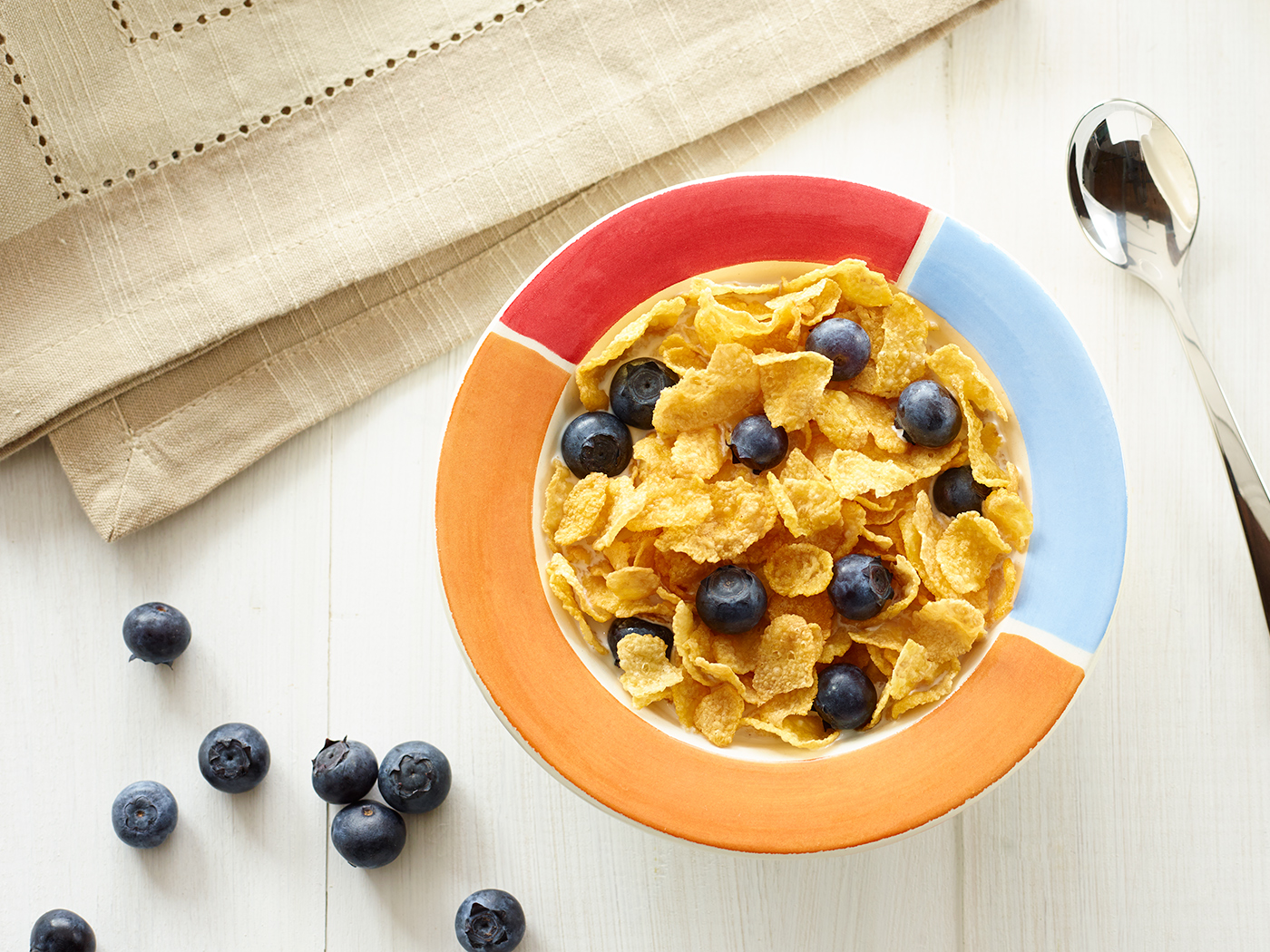 Kellogg's MyBowl with Corn Flakes and Blueberries